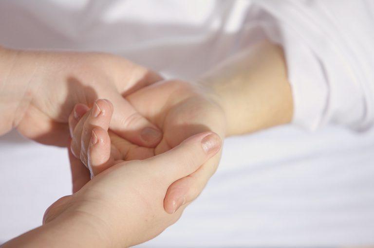 דלקת פרקים: כל מה שצריך לדעת על המחלה ודרכי הטיפול בה