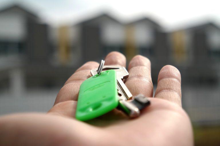 העלויות הנלוות לרכישת דירה: דברים שכדאי לדעת