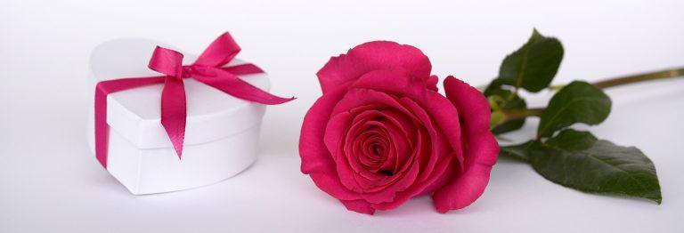 עשרת הדברות לבחירת מתנה רומנטית