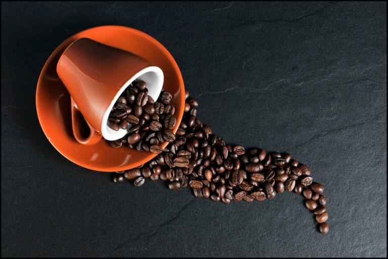 לפינוק מושלם: איך בוחרים מכונת קפה ביתית?