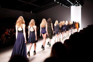 הטרנדים הכי חמים בתחום עיצוב האופנה לשנת 2021
